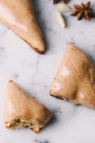 mini chai scones dipped in a maple chai glaze are the perfect treat for any lover of chai tea lattes & are so easy to whip together for a weekend brunch with your girlfriends or to serve to overnight holiday guests with morning coffee.