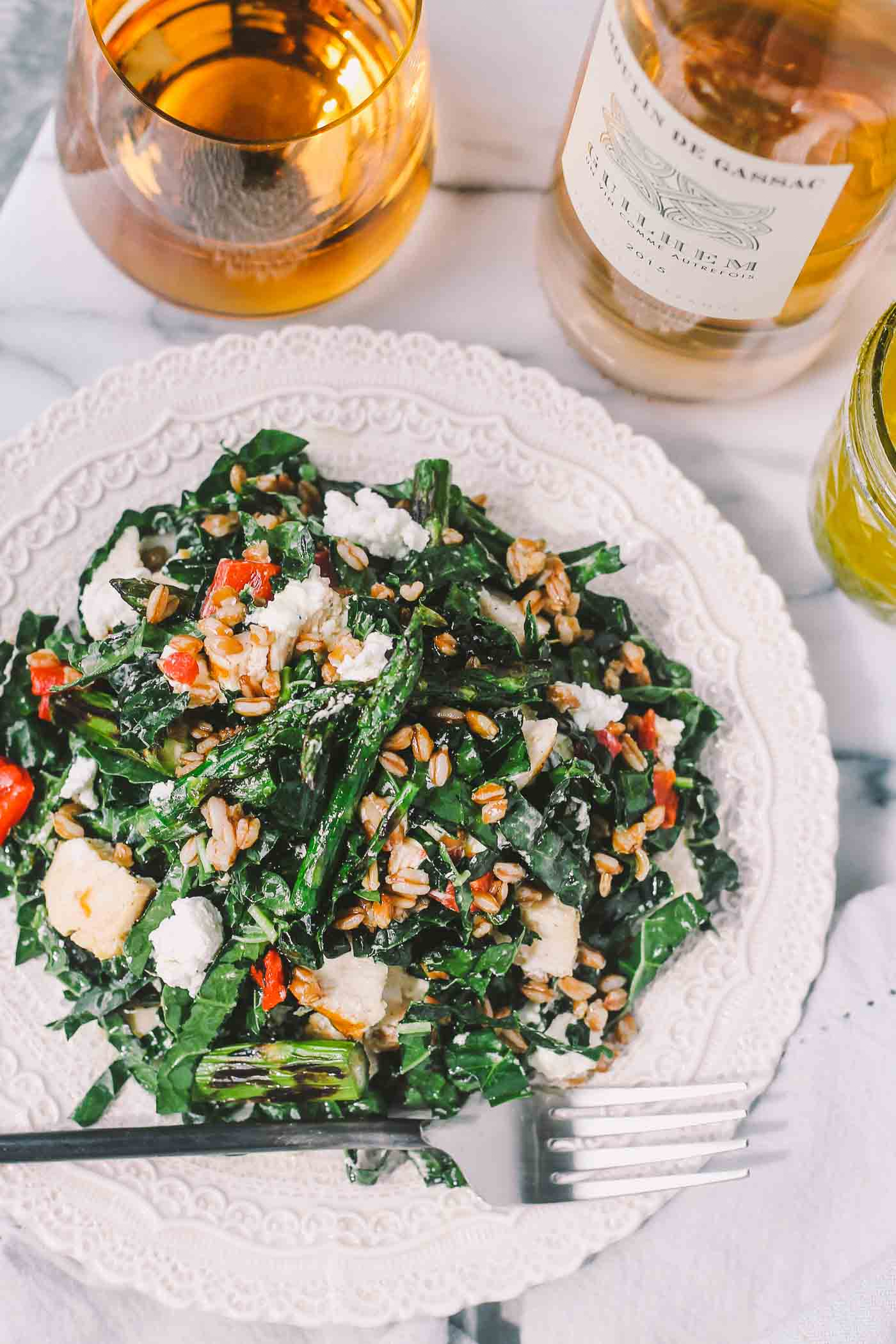 kale salad with grilled lemon herb chicken, farro, & asparagus + 50 recipes for perfect for summer parties! | summer food, summer parties, summer recipes, summer appetizers, summer desserts, summer drinks, easy entertaining, entertaining tips |