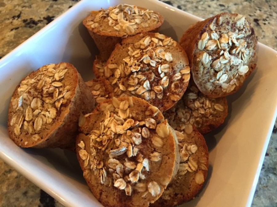 cinnamon oat apple muffins via blondes have more run & 24 more make-ahead meals via playswellwithbutter | with just a little planning in advance & a little organization over the weekend, you can set yourself up with a week's worth of delicious meals that will come together faster than you could order pizza or pick up chipotle.