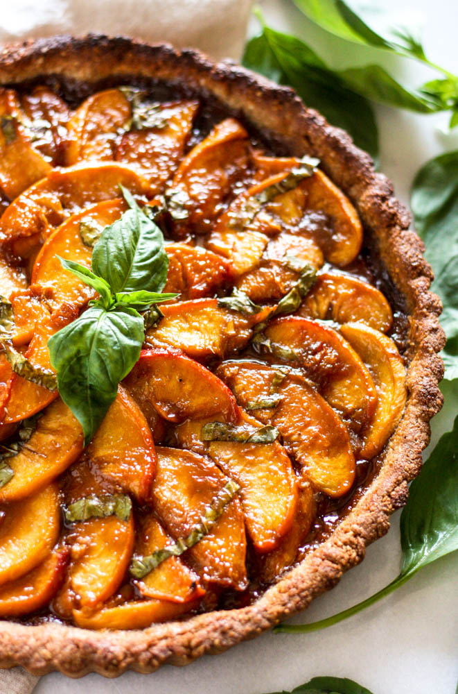 paleo peach basil tart + 6 more farmer's market recipes | healthy recipes, farmer's market produce, fresh recipes, summer food |
