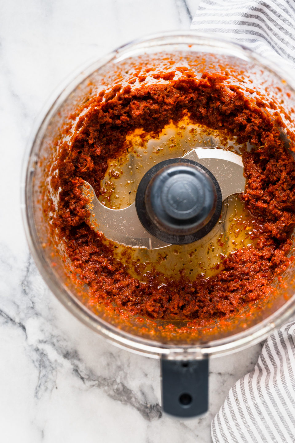 sunddried tomato salad dressing in food processor