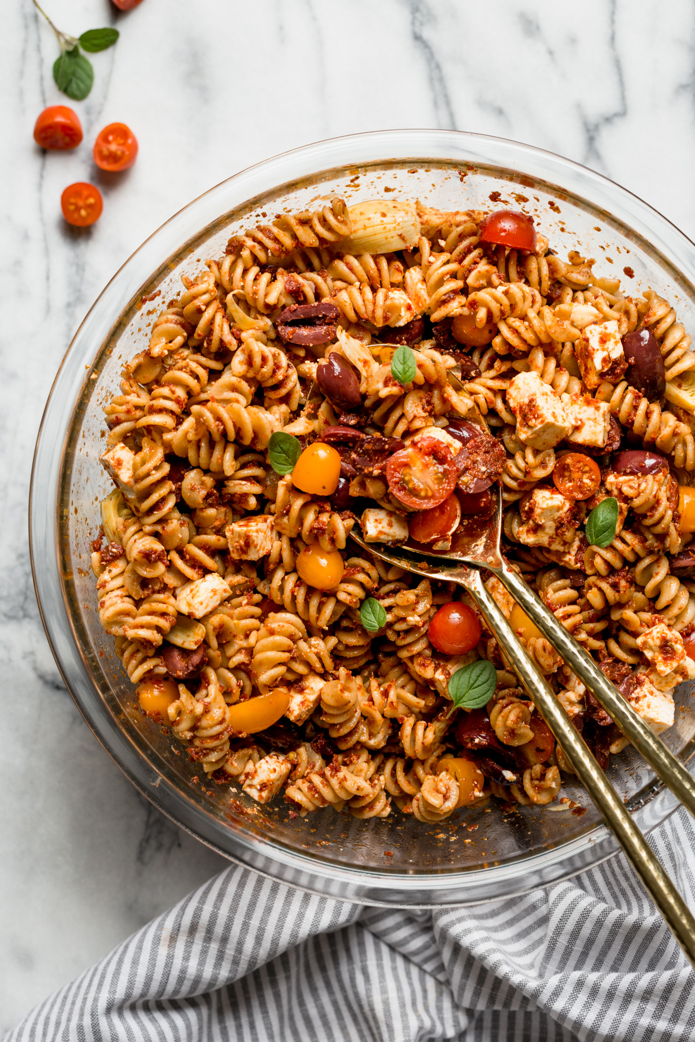 this delicious sundried tomato pasta salad only has 6 ingredients. it's unbelievably quick and easy to throw together, & even more unbelievably tasty! the best pasta salad recipe for an easy weeknight dinner or to serve for a crowd at a summer party! #playswellwithbutter #pastasalad #pastasaladrecipe #easypastasaladrecipe #easydinnerrecipe #sundriedtomatopastasalad