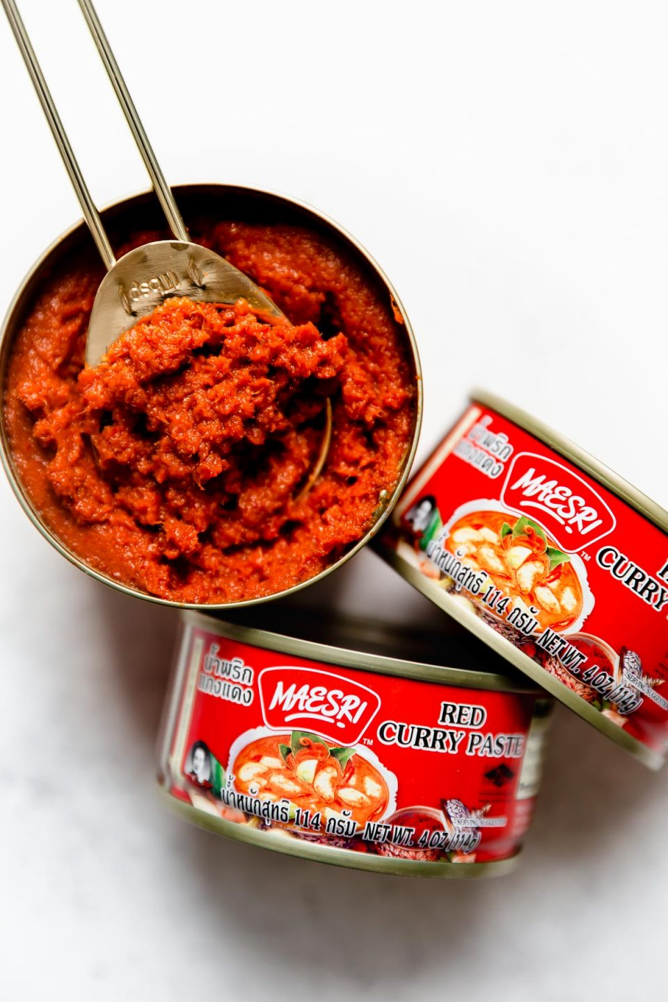 The best Thai Red Curry paste - Maesri curry paste